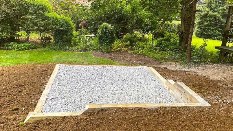 Back retaining wall of foundation
